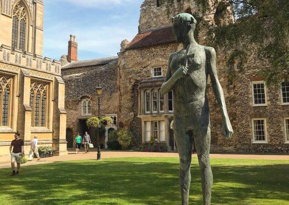 Bury St Edmunds, Abbey gardens